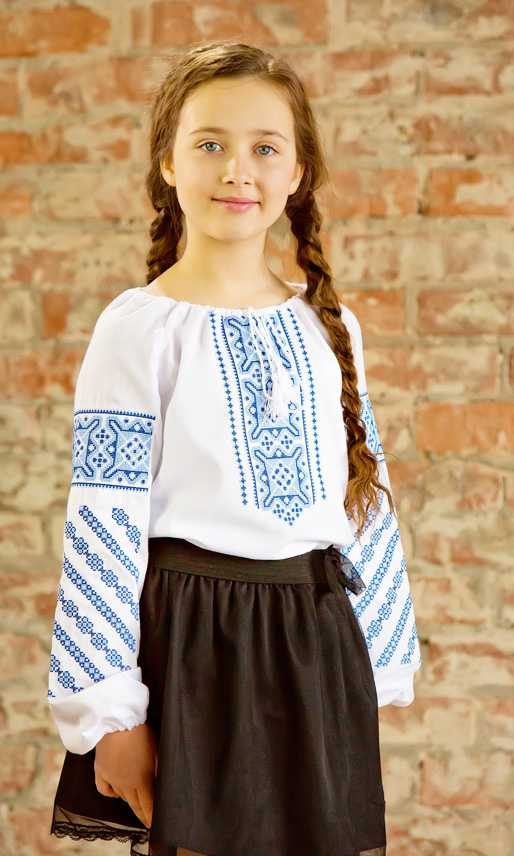 f57858340e910d Вишиванка з геометричною вишивкою для дівчинки 9952