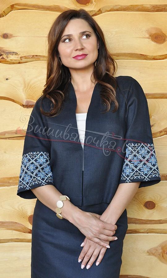 Діловий жіночий костюм з вишивкою К01 купити в інтернет-магазині 9c052720f90f9