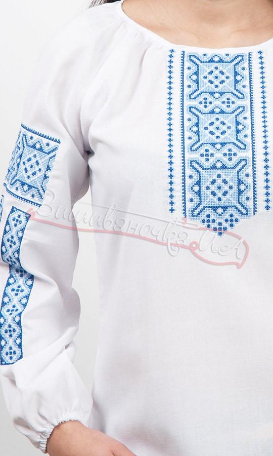 8a4a4d2df5c Жіноча вишиванка з синім геометричним узором 5552